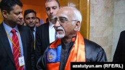 Armenia - India's Vice President Mohammad Hamid Ansari visits Yerevan State University, 26Apr2017