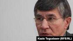 Оппозициялық саясаткер Жасарал Қуанышәлин. Алматы, 29 ақпан 2012 жыл.