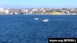 Прогулянкові катери в Севастопольській бухті