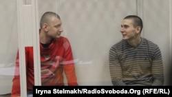 Екс-беркутівці Сергій Зінченко і Павло Аброськін під час судового засідання у Печерському суді, архівне фото