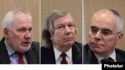 Ձախից՝ աջ․ ԵԱՀԿ ՄԽ համանախագահներ Իգոր Պոպով, Ջեյմս Ուորլիք և Պիեռ Անդրիո, արխիվ