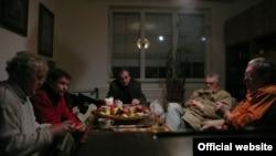 """Кадр из фильма """"Дело Цервановой"""": пятеро из семи осужденных за убийство"""