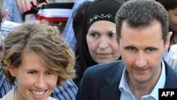 Ассад ўз тарафдорлари билан учрашувда.
