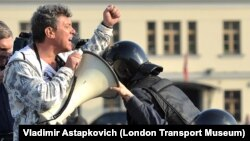 Борис Немцов, задержание на Болотной площади 6 мая 2012 года