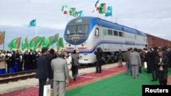 Церемония открытия железной дороги, соединяющей Казахстан и Иран. 3 декабря 2014 года.