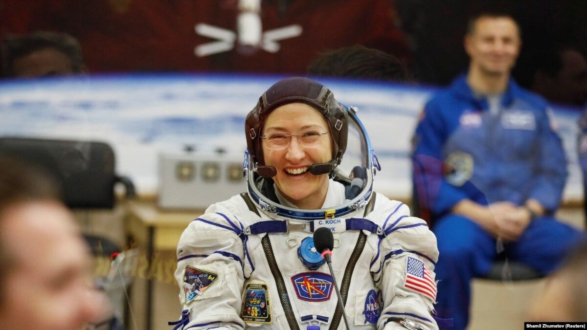 Астронавтка Кох вернулась на Землю после рекордного среди женщин срока пребывания в космосе