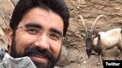 مادر طاهر قدیریان میگوید: فرزندم در زندان به شدت وزن کم کرده است.