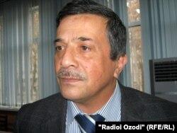Стратегиялық зерттеулер орталығының қызметкері Фируз Саидов. Душанбе, 13 қаңтар 2011 жыл.