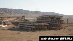 Стройка в Туркменбаши (архивное фото)