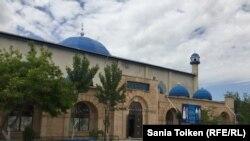 Мечеть в Жанаозене, где работал Исрафил Баги. Мангистауская область, 9 июня 2017 года.