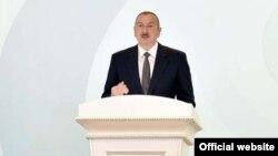 Озарбайжон президент Илҳом Алиев.