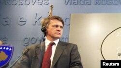 Ish- zëvendës ndihmës sekretari amerikan i Shtetit për çështje evropiane, Thomas Countryman