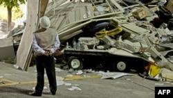 У штаб-квартиры нефтегазовой компании Pemex после взрыва. 2013 год. Иллюстративное фото.