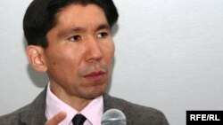 Досым Сәтбаев, саясаттанушы. Алматы, 25 мамыр 2010 жыл.