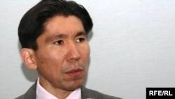 Директор Центра оценки рисков Досым Сатпаев.