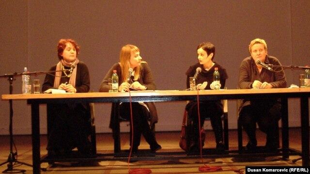 Dubravka Đurić, Irena Javorski, Katarina Lončarević, Jelisaveta Blagojević u Centru za kulturnu dekontaminaciju
