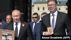 У 2018 році президент Сербії Александар Вучич разом з президентом Росії Володимиром Путіним брав участь в «безсмертному полку» на 9 травня у Москві