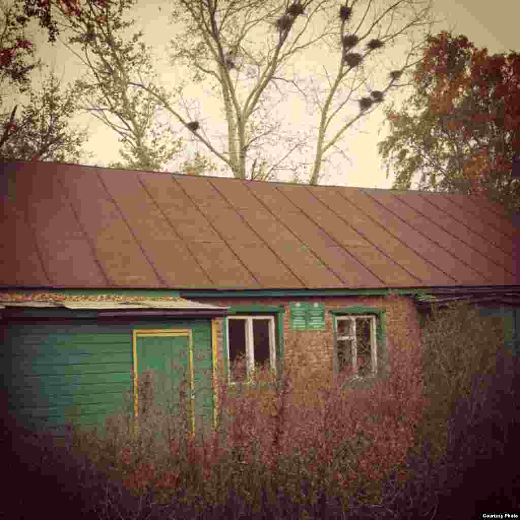 Апас районы Әҗем авылы мәктәбе быел соңгы сыйныфын чыгарган. Хәзер мәктәп ябык.