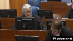 Radovan Karaxhiq në Gjykatën e Hagës
