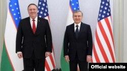 Госсекретарь США Майк Помпео (слева) и президент Узбекистана Шавкат Мирзияев. Ташкент, 3 февраля 2020 года.