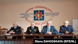 Презентация нового руководителя МВД началась речью президента, в которой он сначала пожурил журналистов, а потом и общество