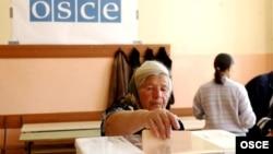 Ilustrativna fotografija, glasanje u Gračanici 20. maja 2012. godine