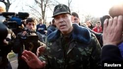 Украина армиясы Краматорск әуе базасында. Донецк облысы, 15 сәуір 2014 жыл.