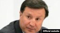 Адильбек Джаксыбеков, министр обороны. (Фото с сайта посольства Казахстана в России - его прежнее место работы.)