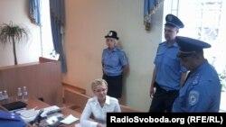 Юлія Тимошенко в залі суду, Київ, 15 серпня 2011 року