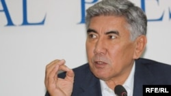 Жалпыұлттық социал-демократиялық партиясының төрағасы Жармахан Тұяқбай. Алматы, 14 қазан 2009 жыл.