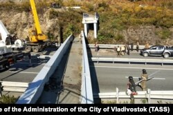 Крушение моста во Владивостоке