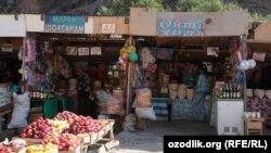 Тысячи приезжих из областей Узбекистана заняты торговлей на рынках Ташкента.