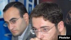 Նարեկ Գալստյանը մամլո ասուլիսի ժամանակ - 13.10.2009