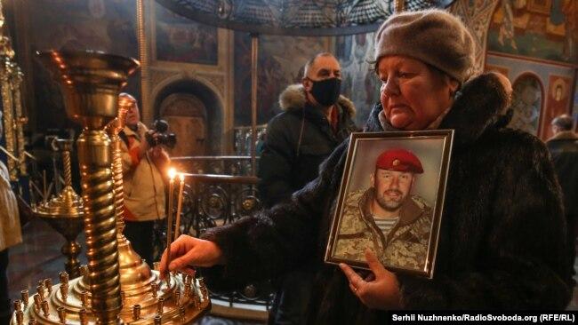 Фоторепортаж: у Києві вшанували пам'ять загиблих оборонців ДАПу