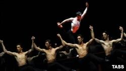 باله بولرو در فوریه ۲۰۱۱ در اپرای ملی پاریس؛ این موومان هفده دقیقهای، اکنون یکی از مشهورترین آثار موسیقی کلاسیک است