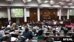 Кабул - Ооган парламенти президент Карзай сунуш кылган талапкерлердин басымдуу көпчүлүгүн өкмөт мүчөлүгүнө шайлаган жок.