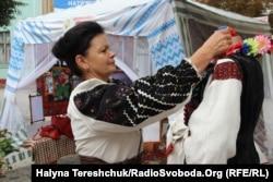 Тетяна Глова у вишиванці прабабусі