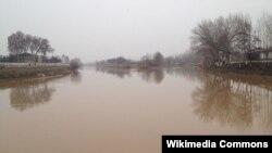 Большой Ферганский канал близ города Андижан. Иллюстративное фото.