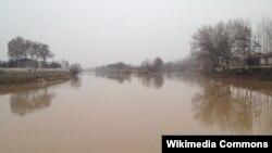 Большой Ферганский канал.