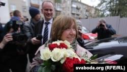 Сьвятлана Алексіевіч пасьля атрыманьня Нобэлеўскай прэміі дае першае інтэрвію