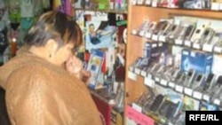 На рынке китайских товаров в Алматы.
