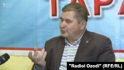 Tajik opposition leader Rahmatullo Zoirov (file photo)