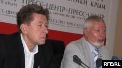 «Заколотники» - Лідер Російського блоку Олександр Свистунов (зліва) і член партії «Союз» Володимир Кличников