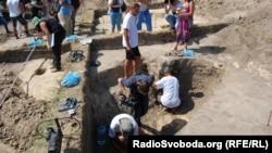 Розкопки древлянського поселення