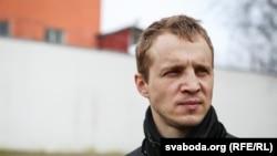 Зьміцер Дашкевіч пасьля вызваленьня з турмы на Акрэсьціна