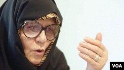فاطمه کروبی٬ همسر مهدی کروبی، از رهبران معترضان ۸۸