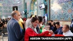 Тегерандагы шайлоо бекети. 19-май, 2017-жыл.