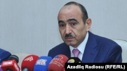 Әли Хасанов, Әзербайжан президентінің көмекшісі.