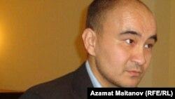 «Азат интернет» коалициясының өкілі Макс Боқаев.