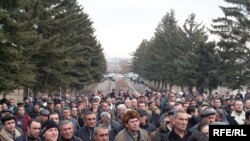 Armenia -- Taxi drivers protest in Gyumri, demand tax revisions, Gyumri, 18Feb2010
